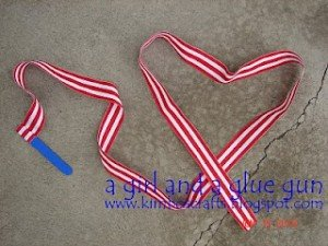 Patriotic Ribbon Streamer from A Girl and a Glue Gun | Quick Projects for the 4th of July | MoneywiseMoms