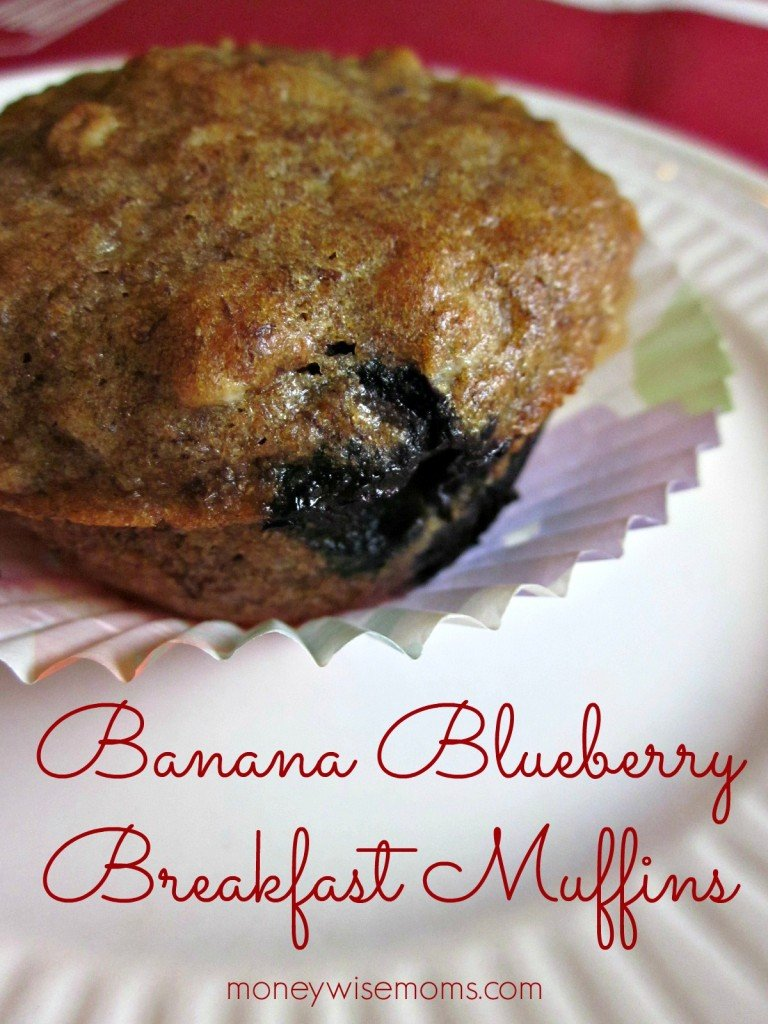 Banana Blueberry Breakfast Muffin Recipe | Easy #realfood #recipes for lunchboxes and afterschool snacks | MoneywiseMoms