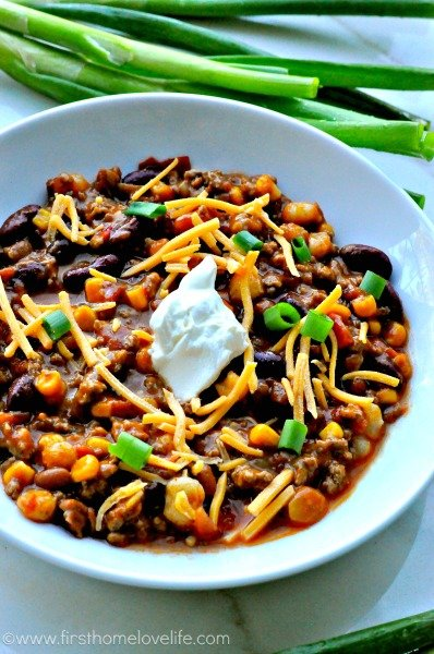 Easy Crockpot Taco Chili from First Home Love Life | Homemade Taco Seasoning