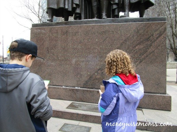 Urban Adventure Quest | Exploring Chicago with Tweens | family travel